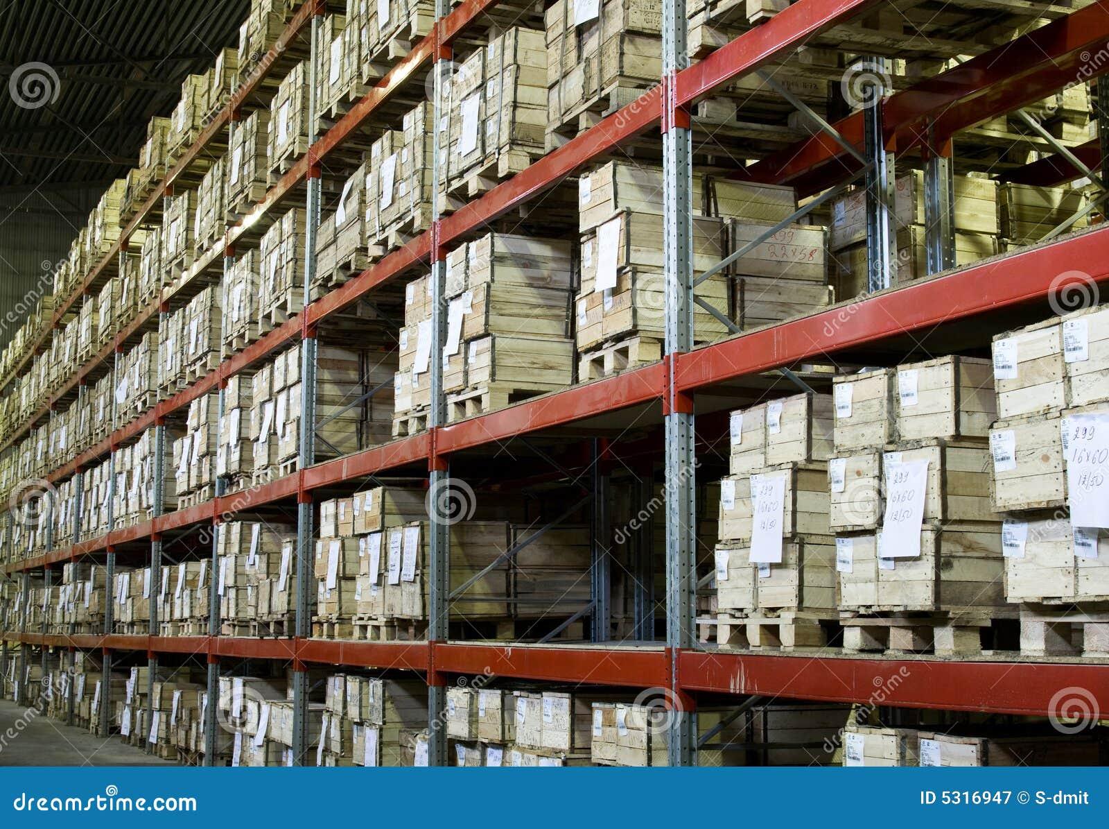 Download Magazzino con le caselle immagine stock. Immagine di fabbrica - 5316947