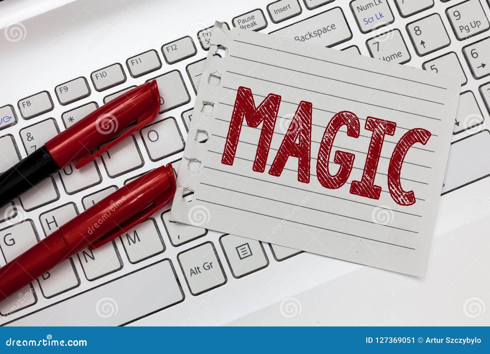 Magia del texto de la escritura de la palabra Concepto del negocio para el poder de influenciar eventos usando fuerzas misteriosa