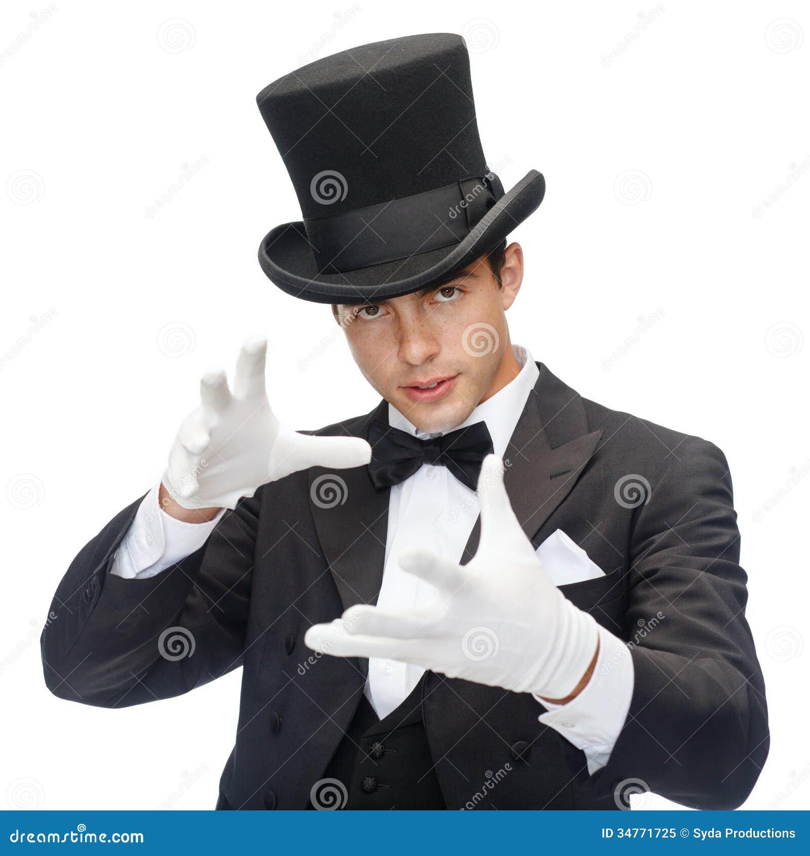 Magicien dans le tour d apparence de chapeau supérieur