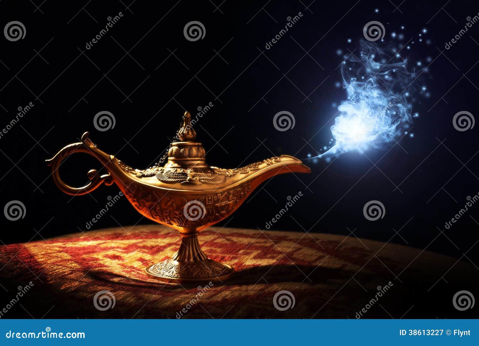 Magisk Aladdins ande i arabiska sagorlampa