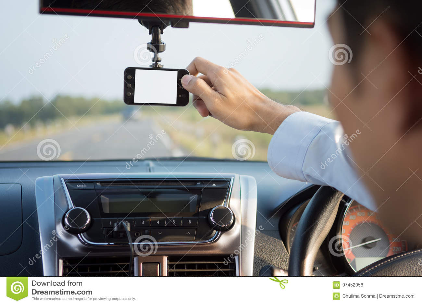 Magnétoscope conduisant une voiture