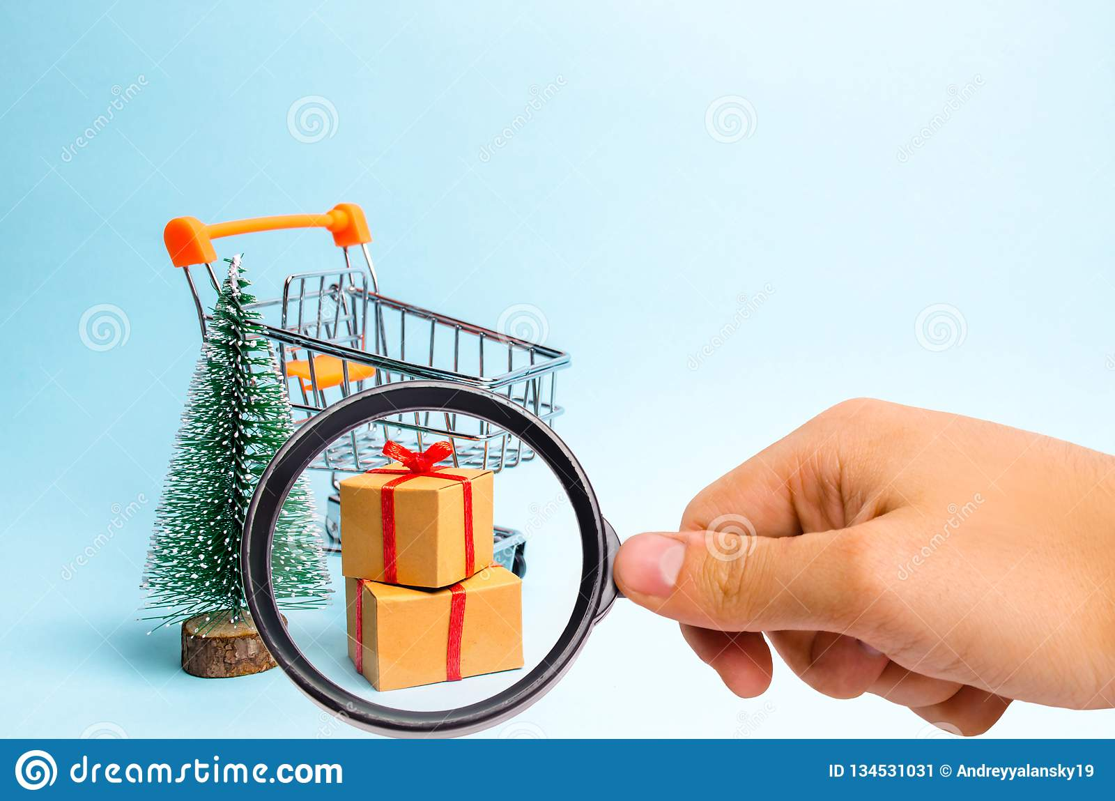 Magnifying Glass Is Looking At The Christmas Tree, Supermarket Cart