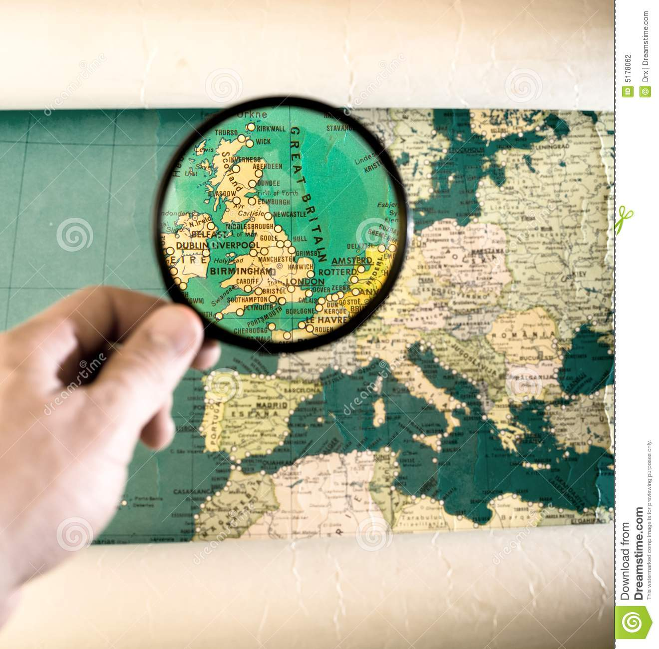 Zoom In Map Of Uk.Magnifying Glass Zoom On United Kingdom Stock Photo Image Of Zoom