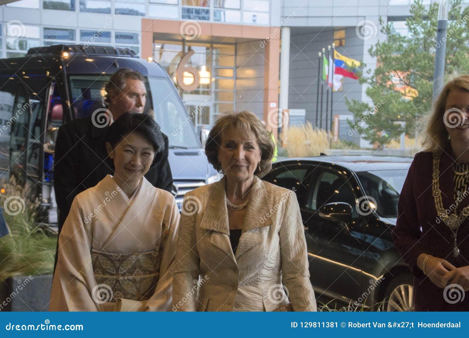 Magriet公主和秋筱宫At The World公主论坛小室Haag 对世界会议的仪式关于对抗TB的2018年