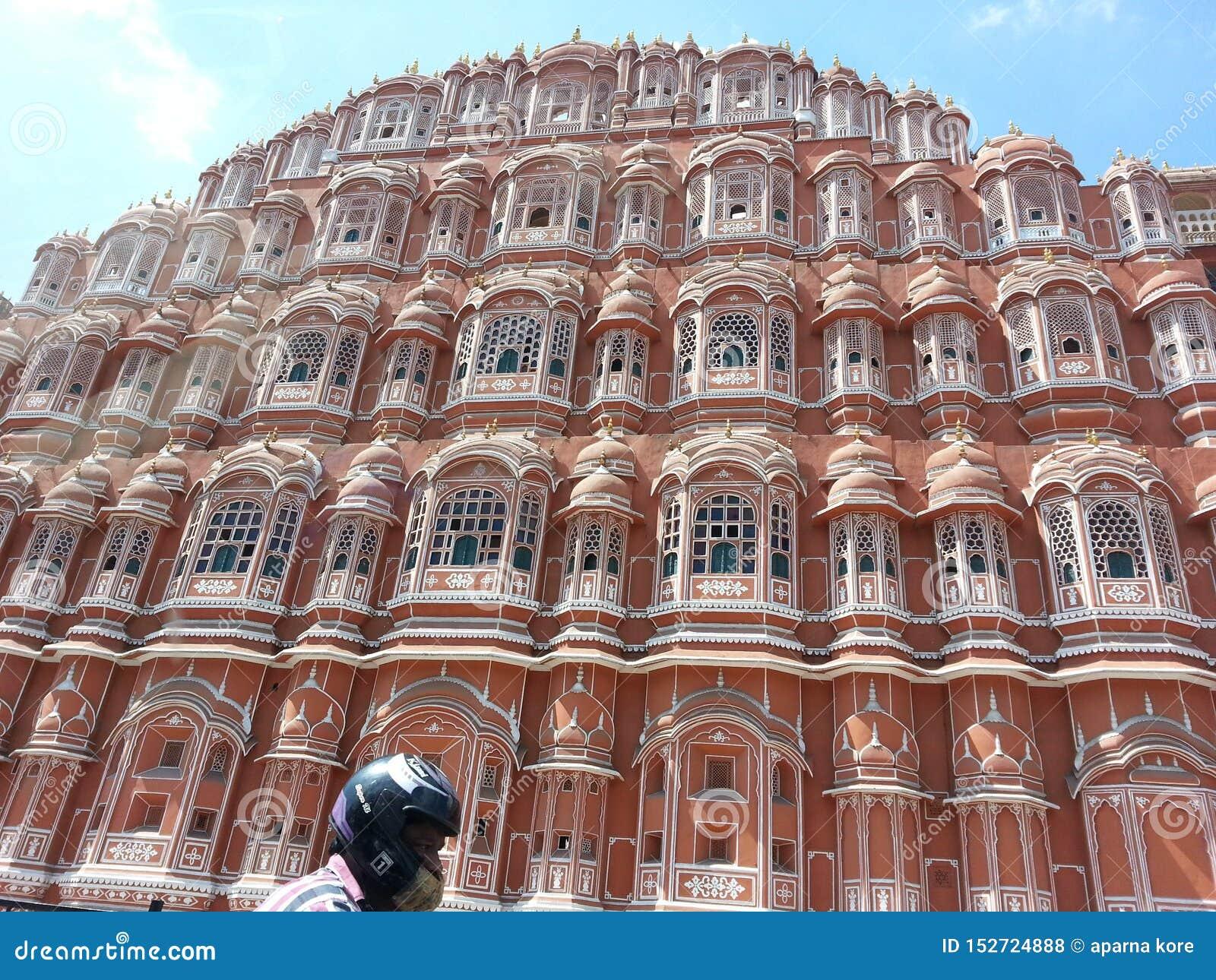 Mahal Hawa is het paleis in Jaipur, India gemaakt met het rode en roze zandsteen