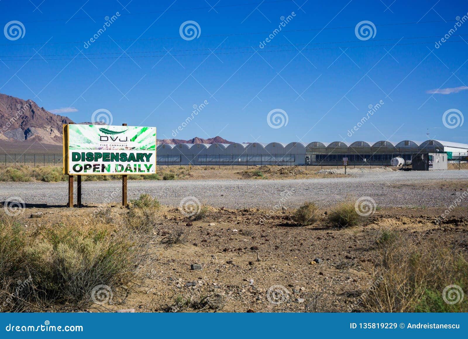 28. Mai 2018 Death Valley/CA/USA - außerhalb der Ansicht der Marihuana-Apotheke gelegen an Death- Valleykreuzung