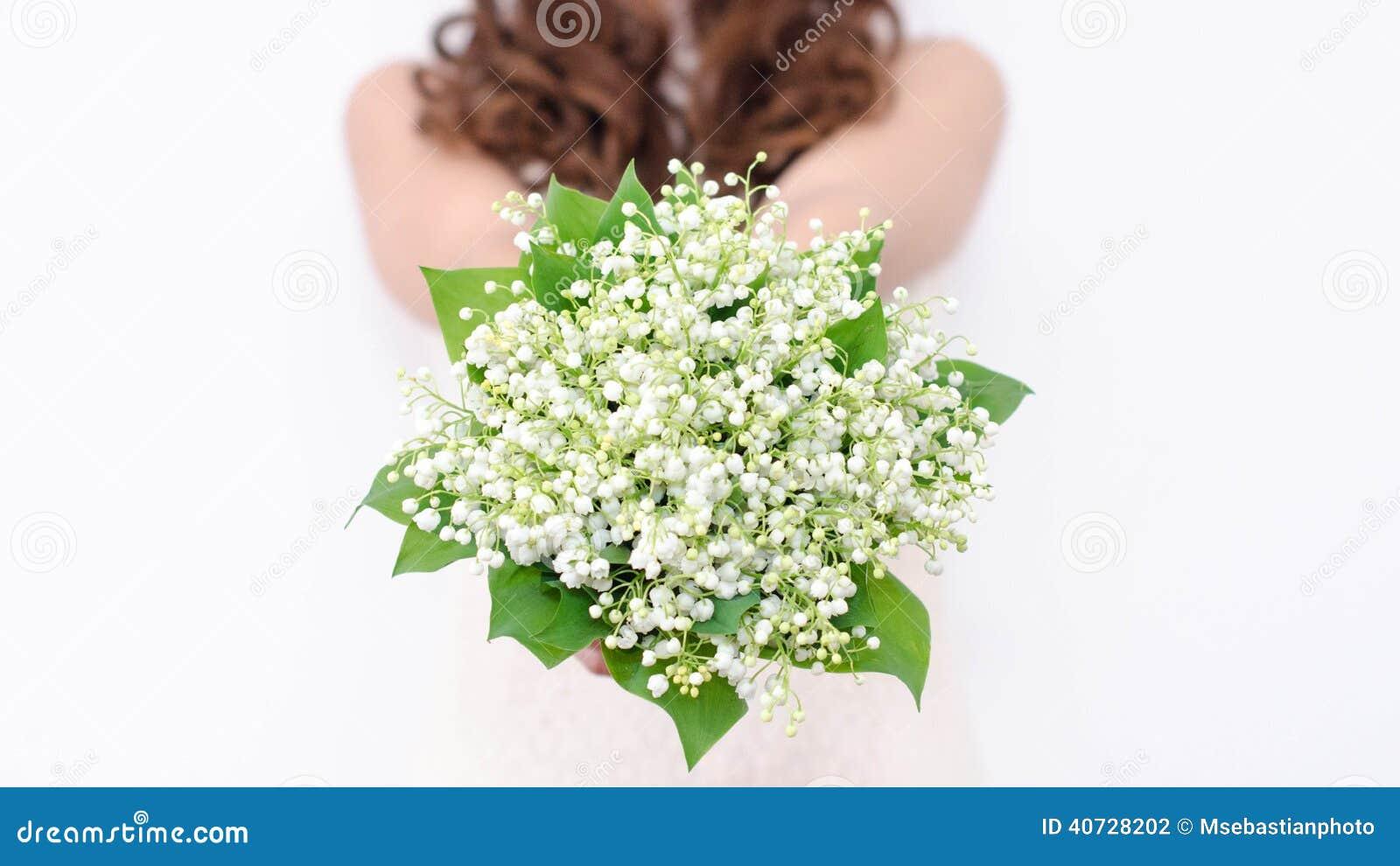 Maiglöckchenblumenstrauß