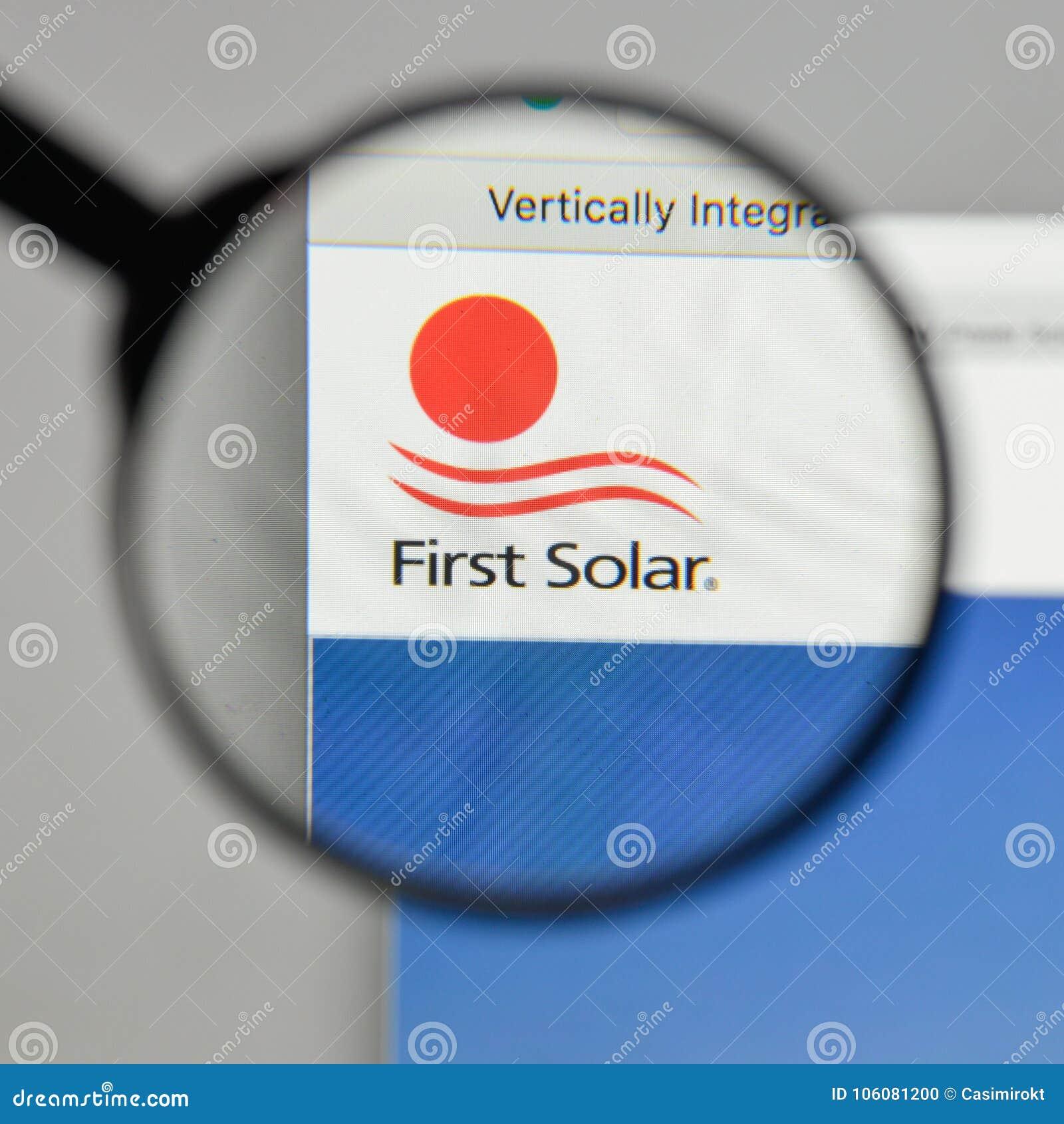 Mailand, Italien - 10. August 2017: First Solar-Logo auf der Website