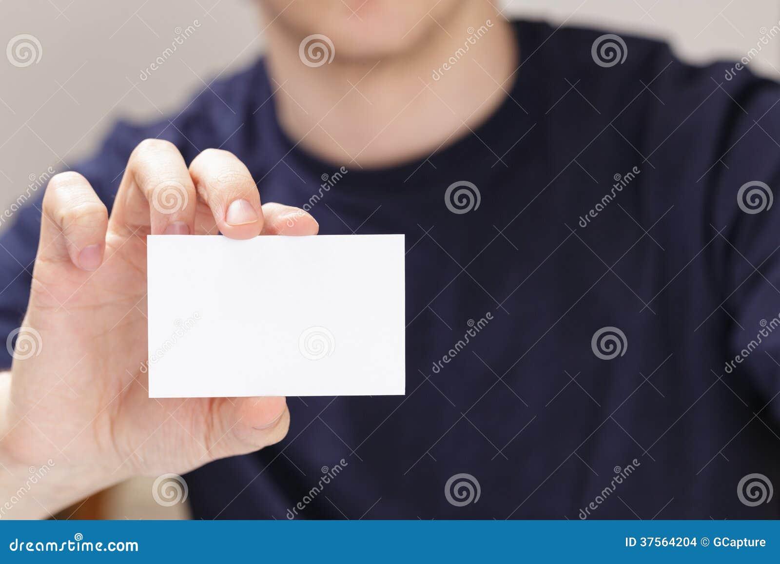 Main Adulte D Homme Tenant La Carte De Visite Professionnelle Vide Devant L Appareil