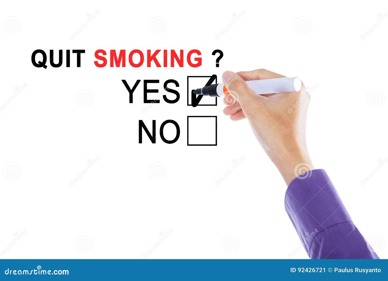 Main d homme d affaires avec le texte du tabagisme stoppé