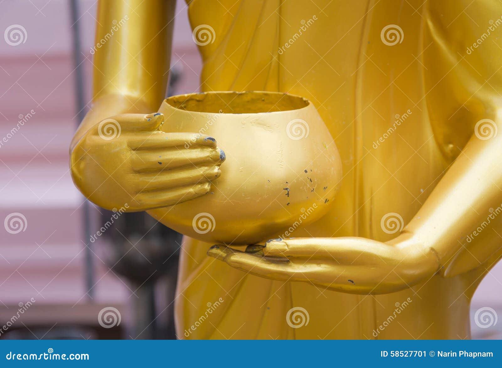 Main de Bouddha et cuvette d aumône