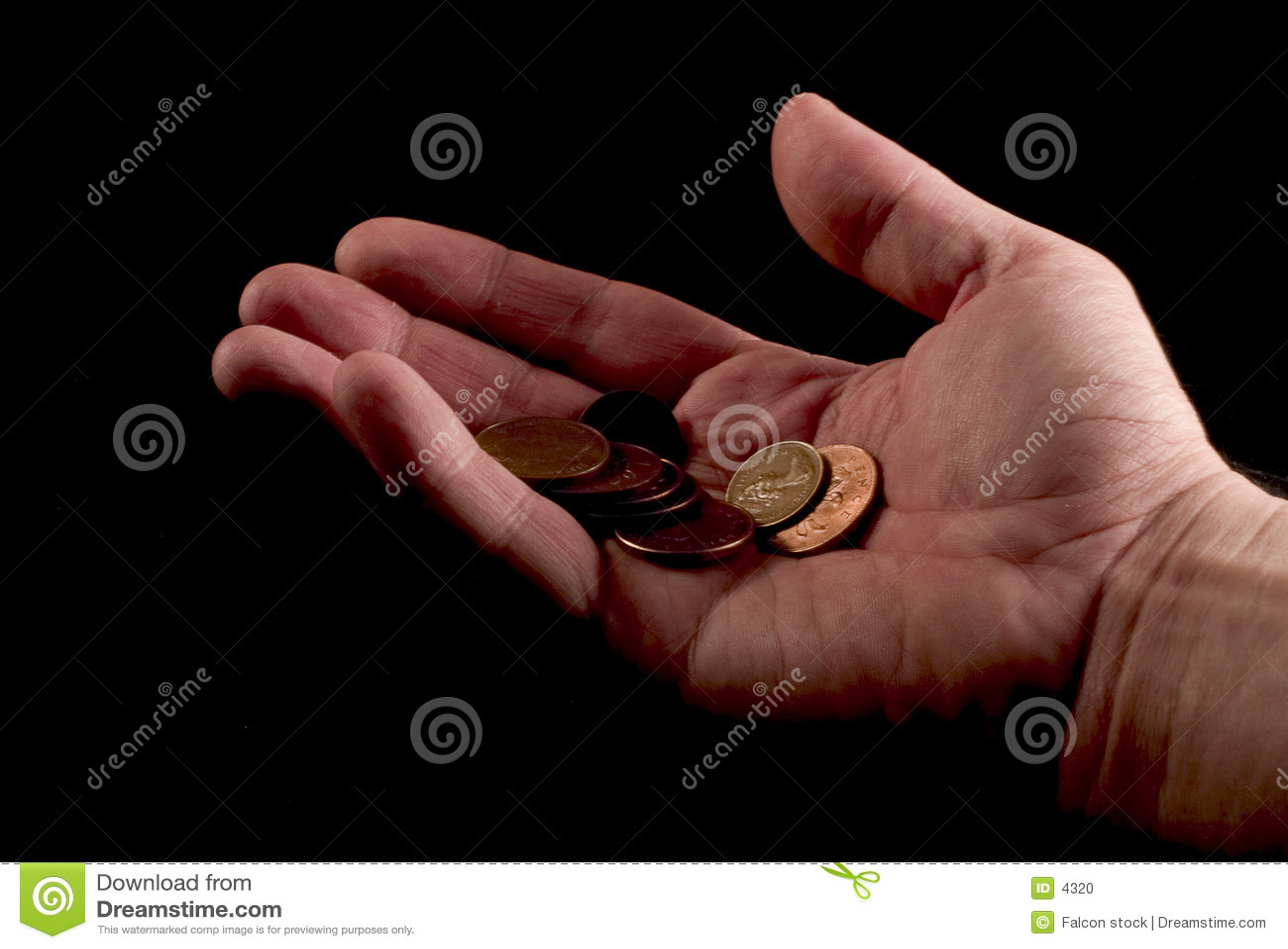 Main donnant des penny