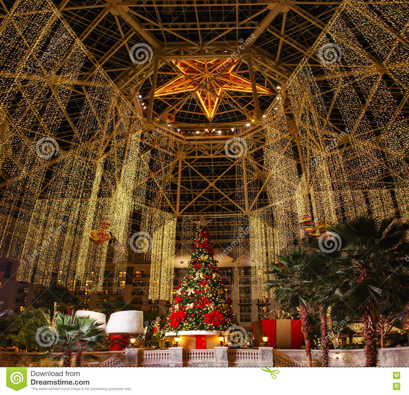 Main Hall In Gaylord Texan Resort Grapevine Texas Usa December
