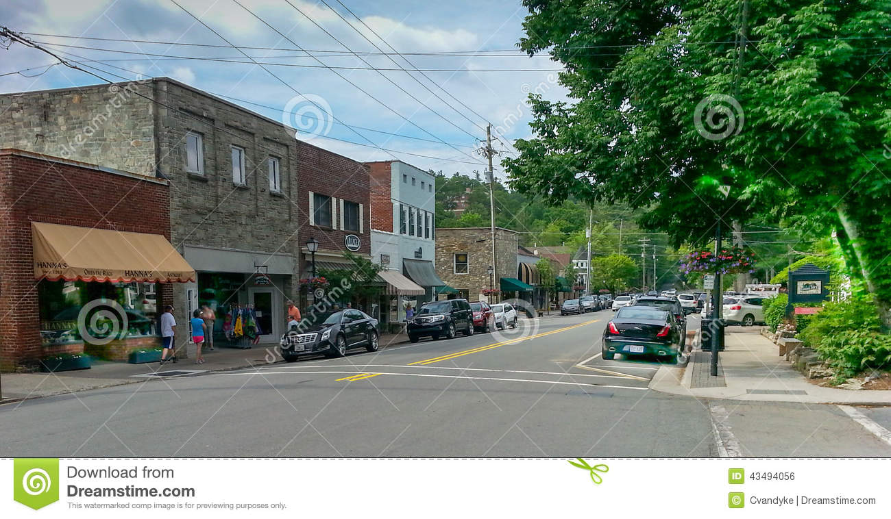 Street view of downtown shopping district of Blowing Rock, North ...
