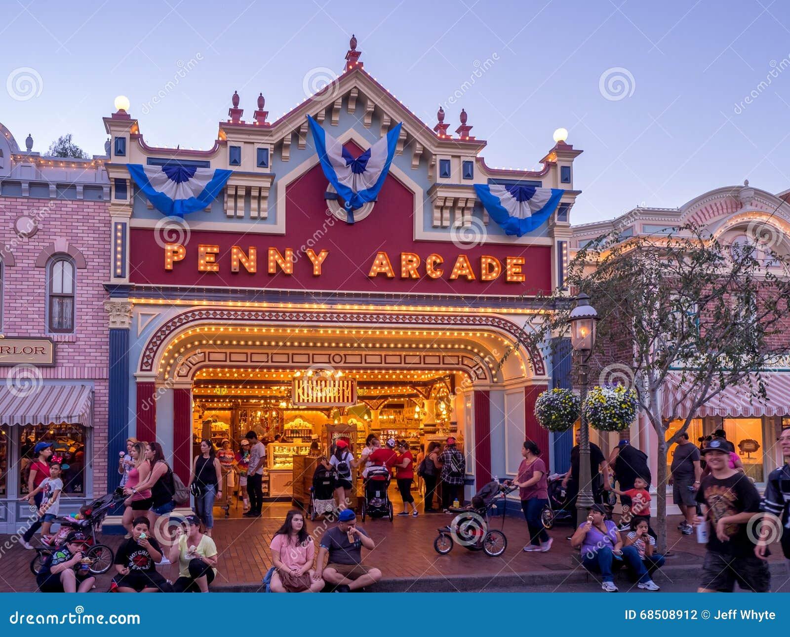 Main Street los E.E.U.U. Disneyland en la noche
