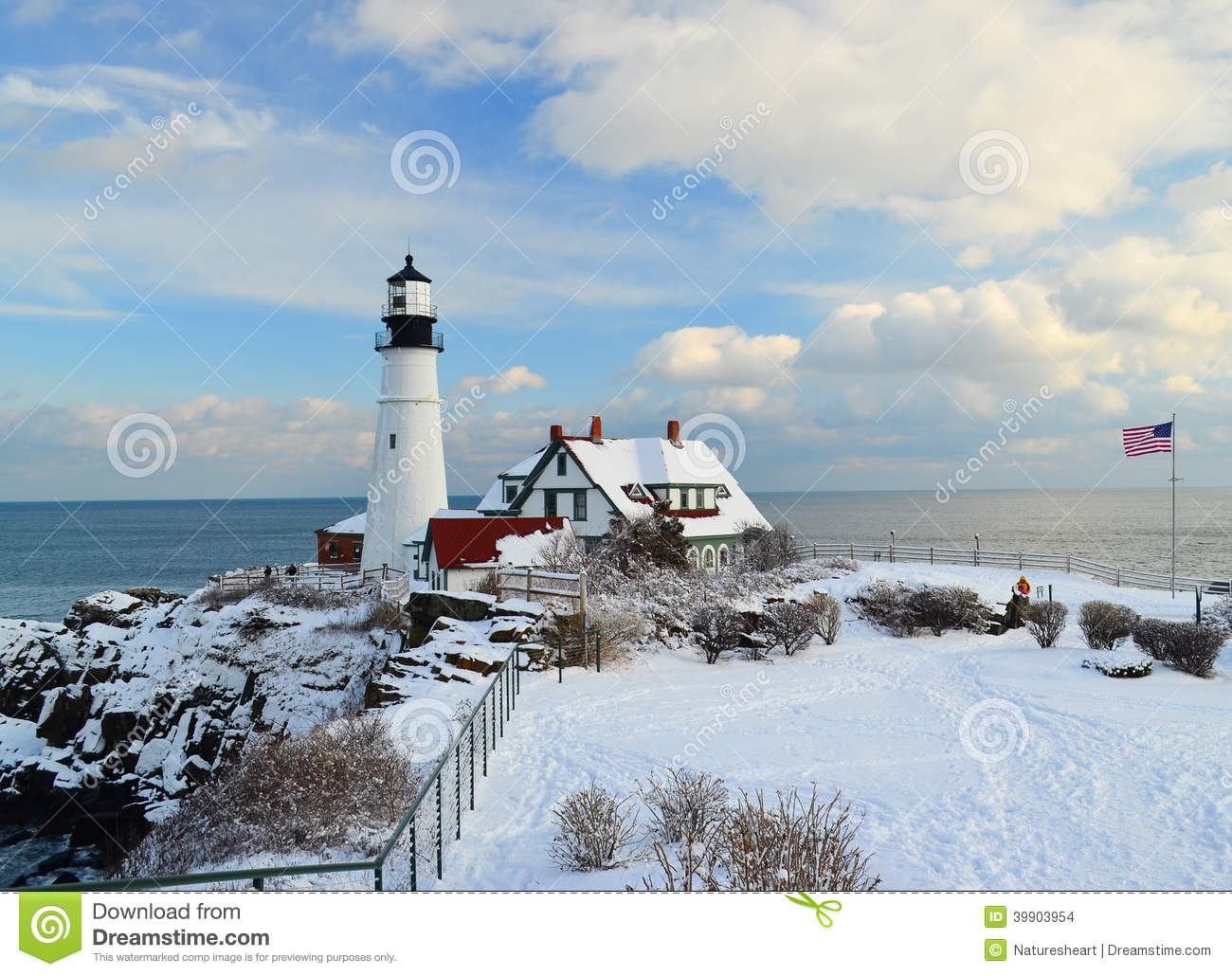 Maine Lighthouse In Winter Stock Photo - Image: 39903954