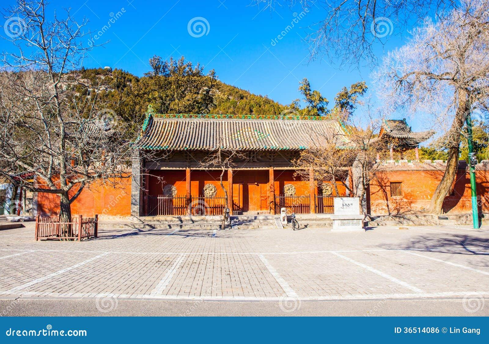 Maingaten av den Dou för storslagen förlage templet