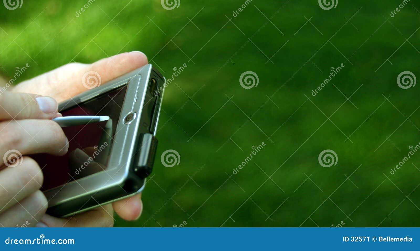 Mains avec un PC de poche