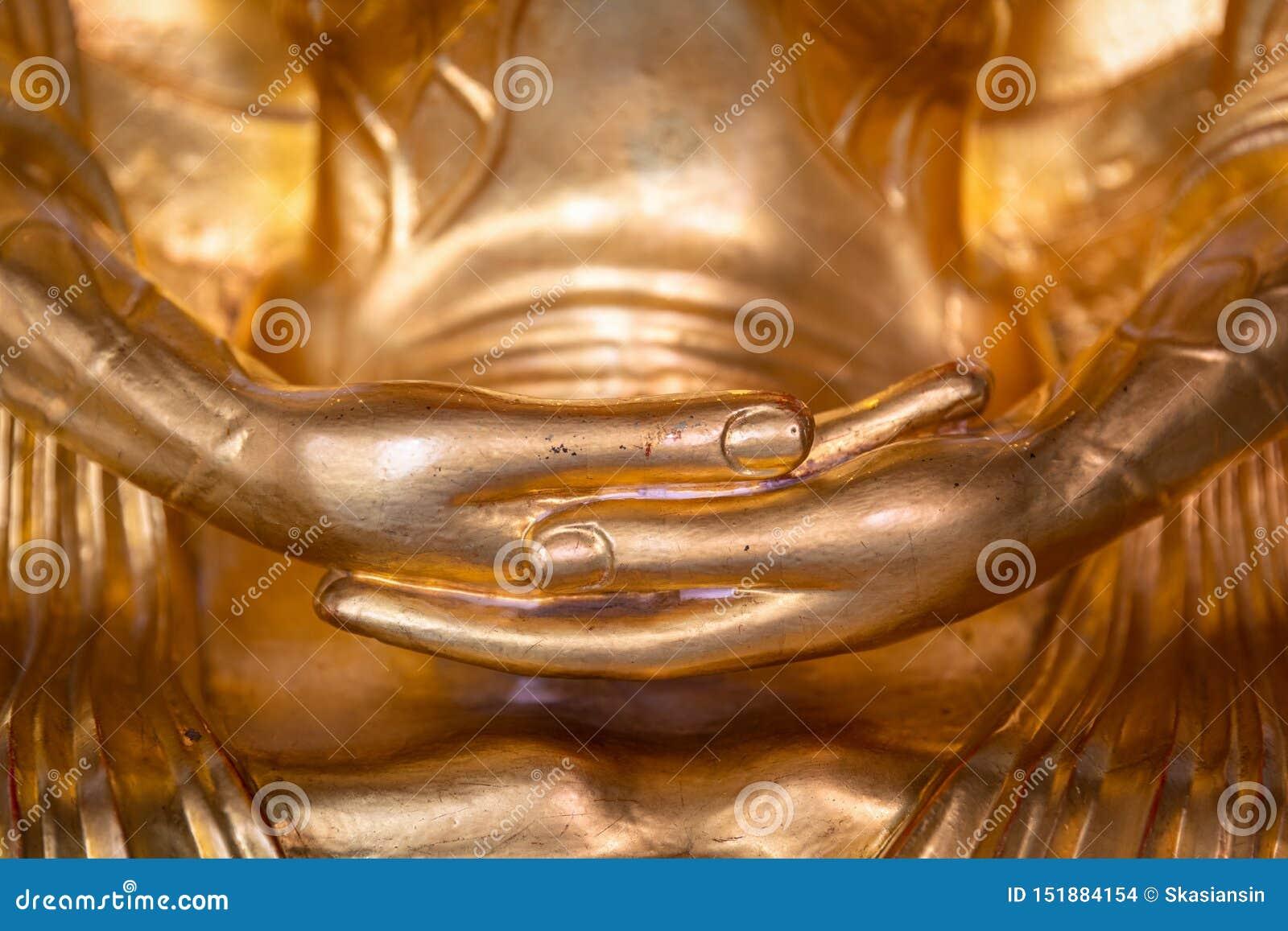 Mains de statue d or de Bouddha