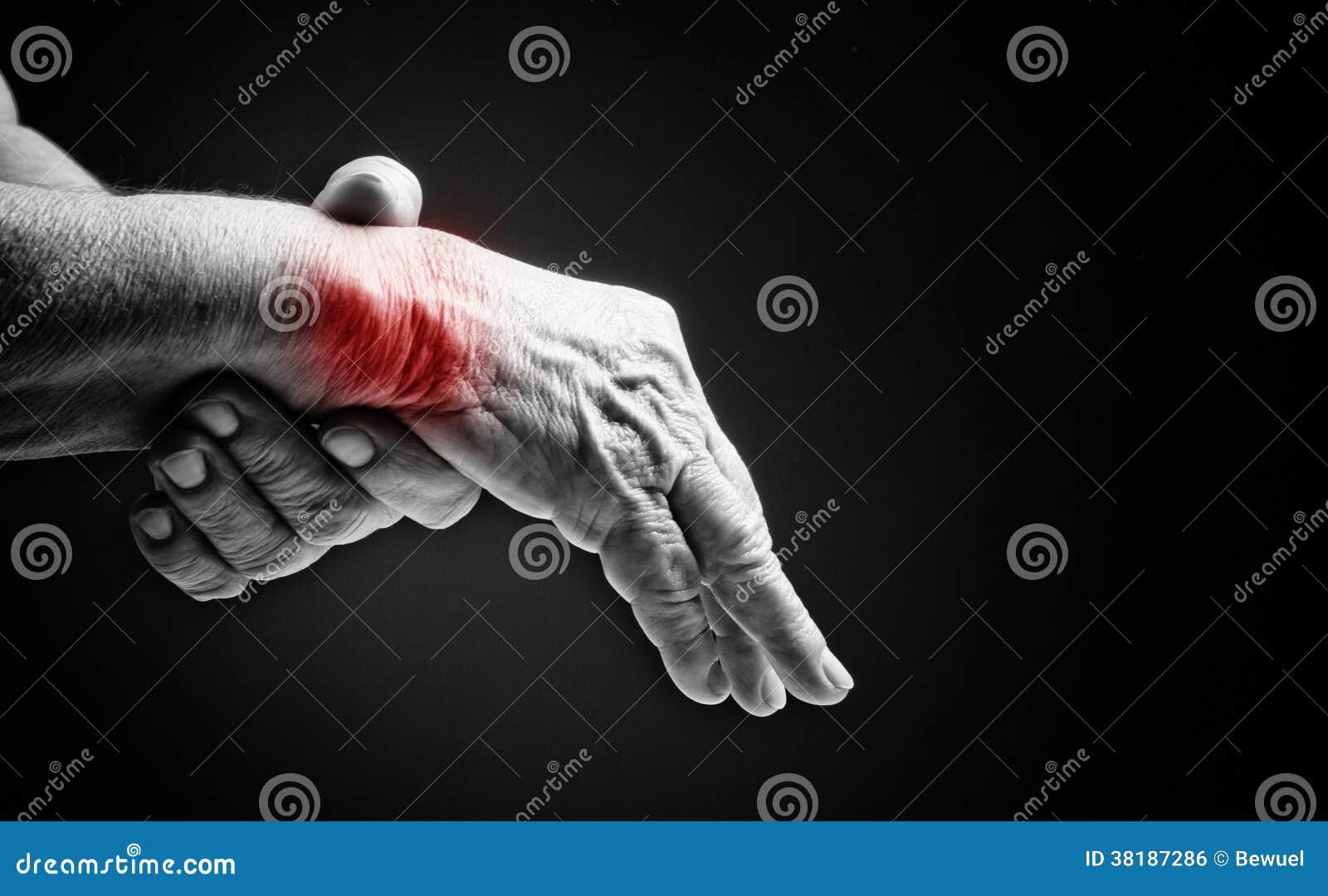 Mains supérieures. Souffrance de la douleur et du rhumatisme