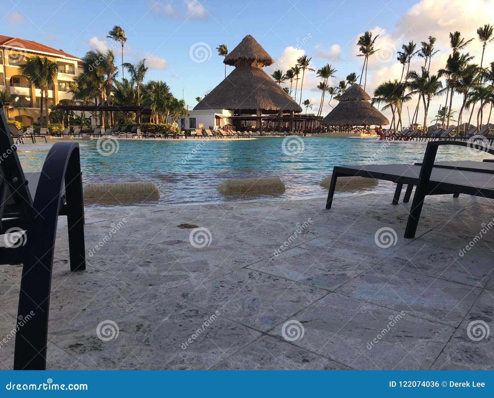 Maintenant station de vacances de Larimar dans Punta Cana dominicain