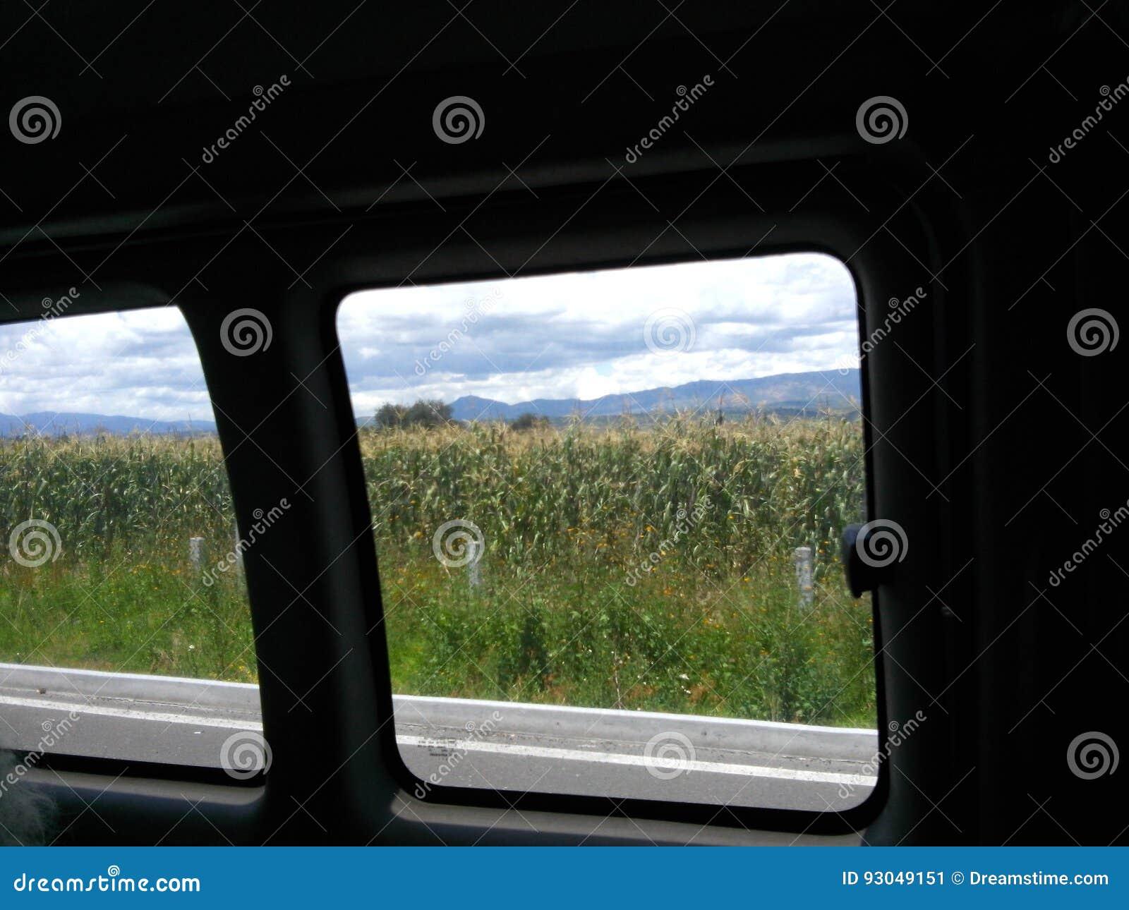 Mais von einem größeren Anblick des Autos