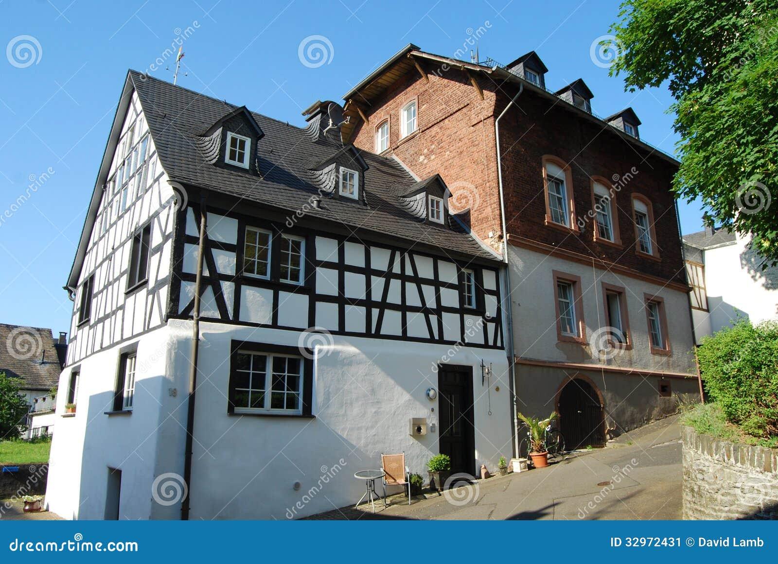 Maison En Bois Moselle maison à colombage la moselle image stock - image du