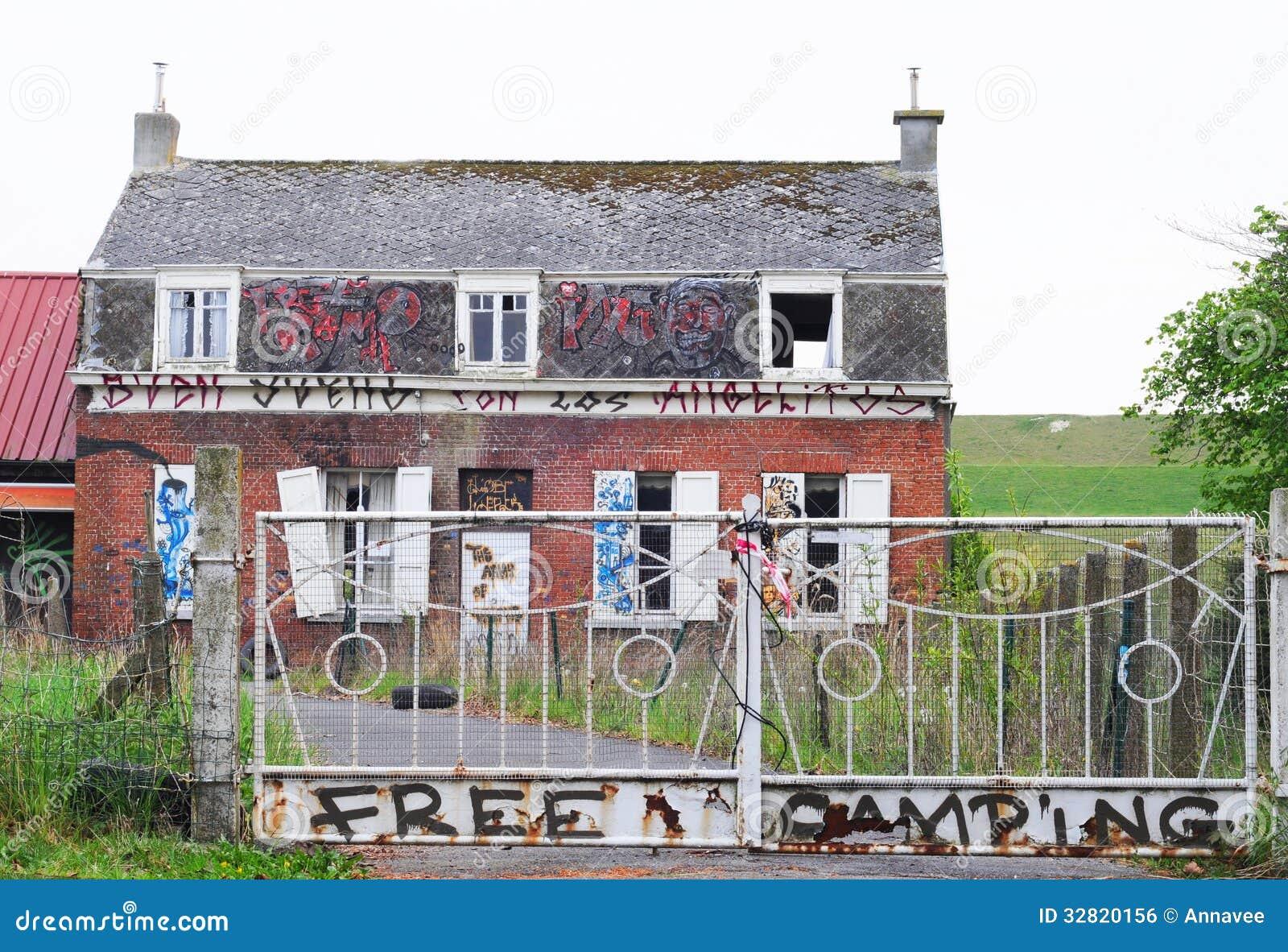 Maison abandonn e doel anvers image libre de droits image 32820156 - Maison abandonnee belgique ...
