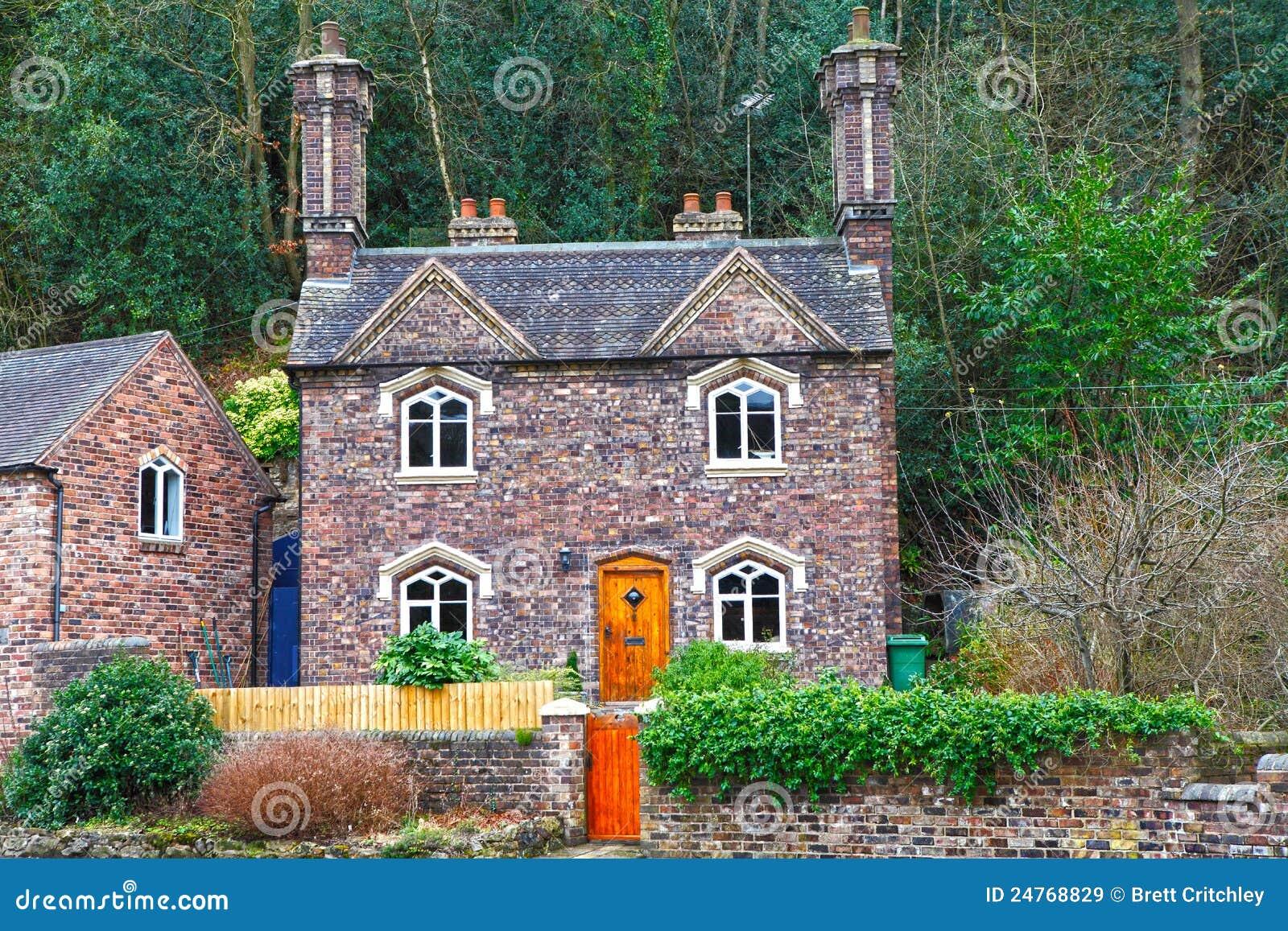 Maison anglaise de maison images libres de droits image 24768829 - Photo maison anglaise ...