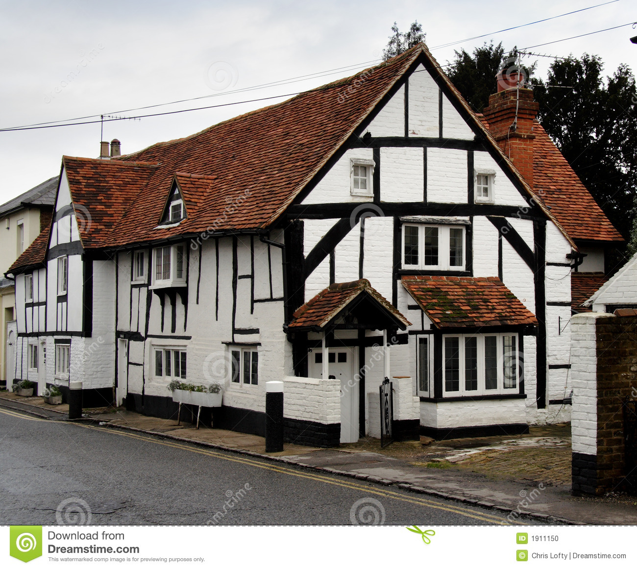 Maison anglaise de village photo stock image 1911150 - Photo maison anglaise ...
