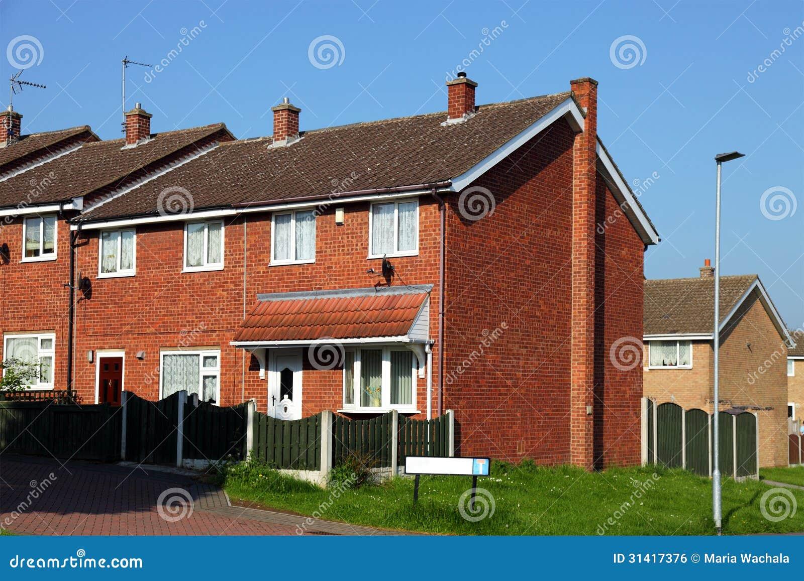 Maison anglaise typique image libre de droits image 31417376 - Photo maison anglaise ...