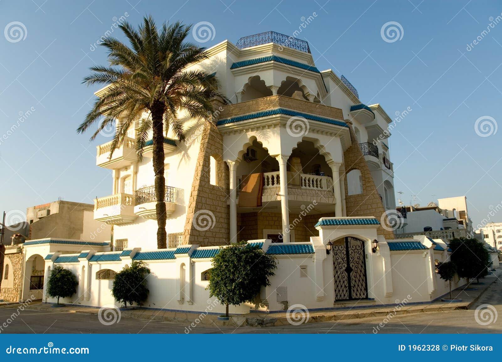 Maison arabe au lever de soleil horizontal photo stock for Architecture maison arabe