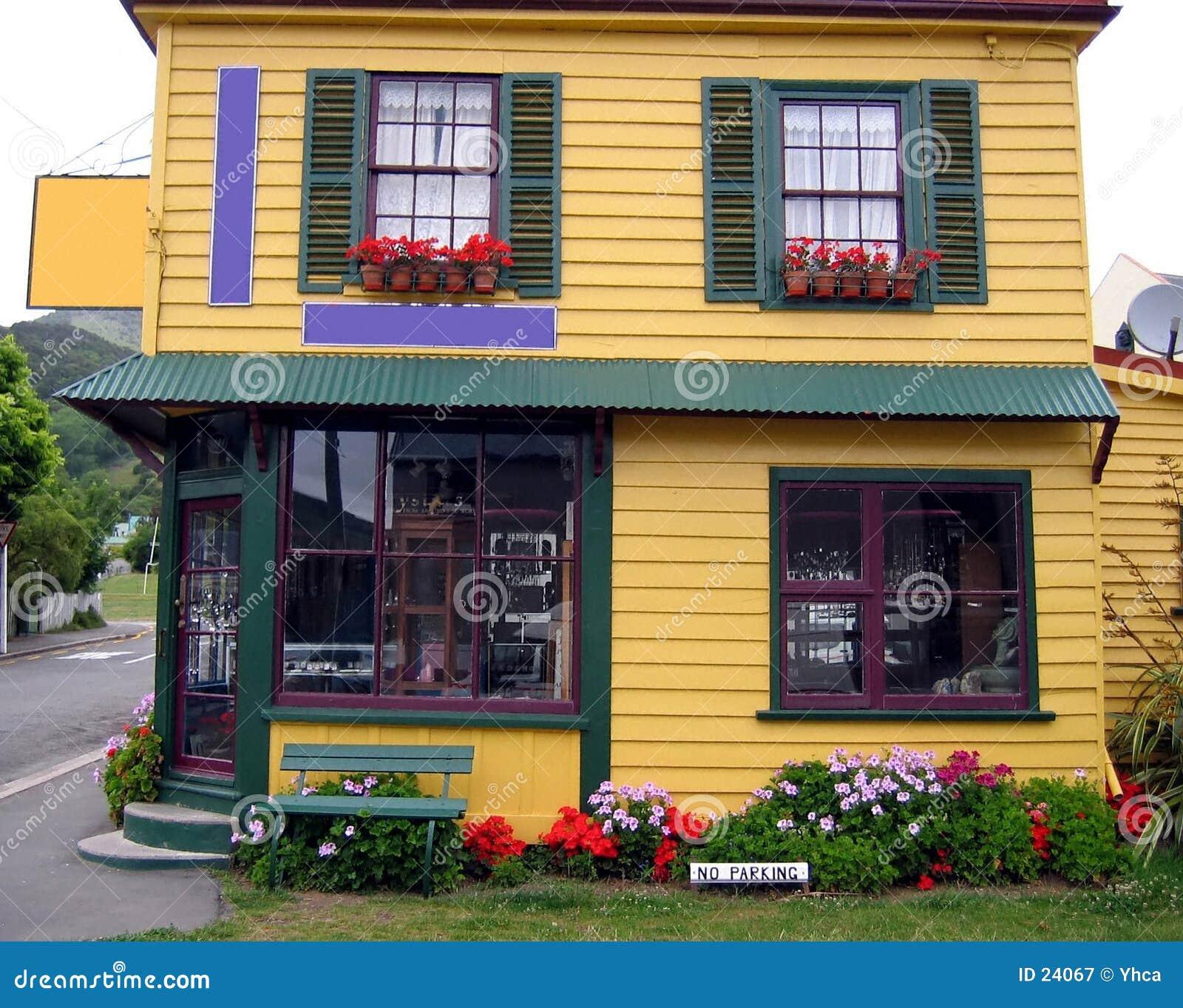 Maison assez colorée