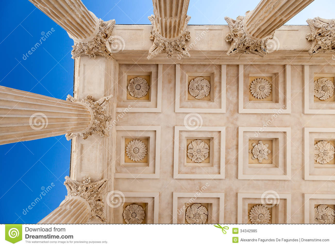 Maison carree nimes france royalty free stock photo for Maison de la literie nimes