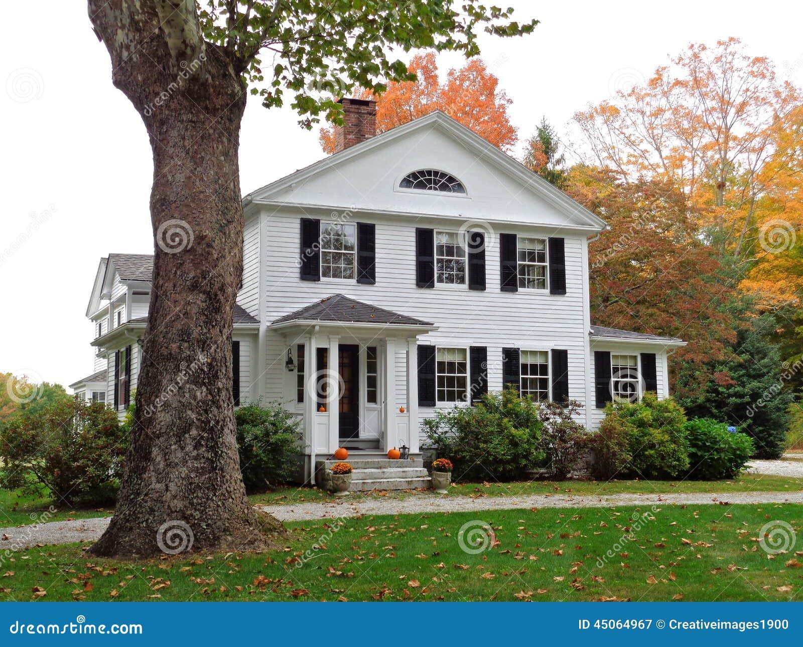 Maison Coloniale Dans Le Connecticut Photo Stock Image