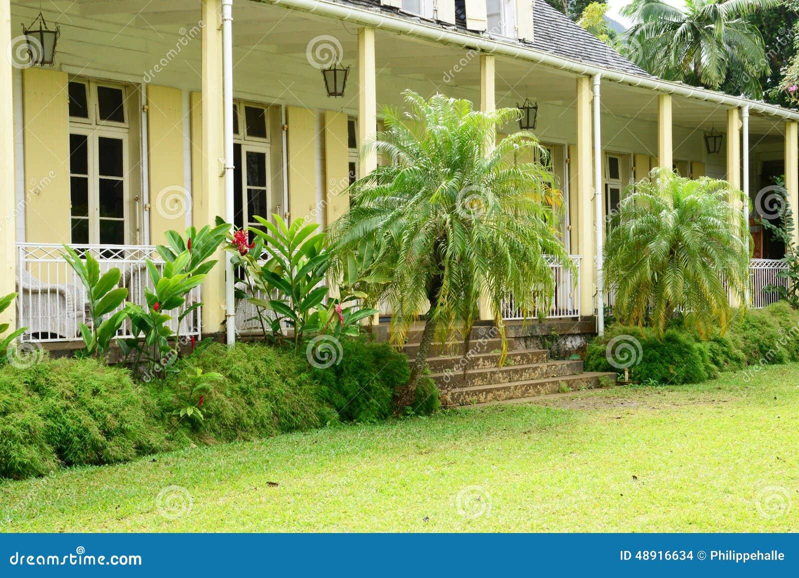 Maison coloniale de l 39 afrique eur ka dans le moka image for Angelina maison de l afrique