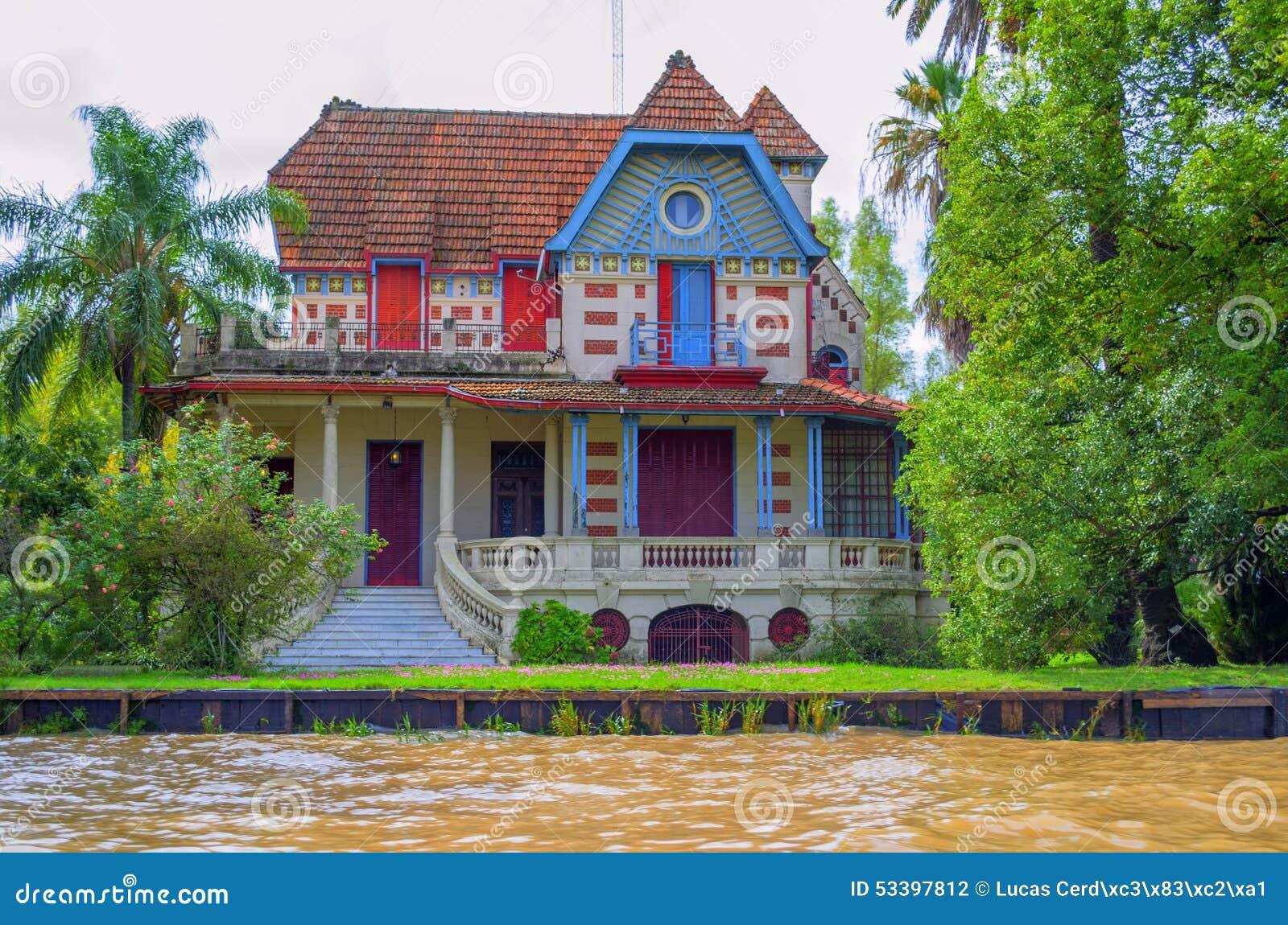 Maison color e buenos aires photo stock image 53397812 - Maison argentine ...
