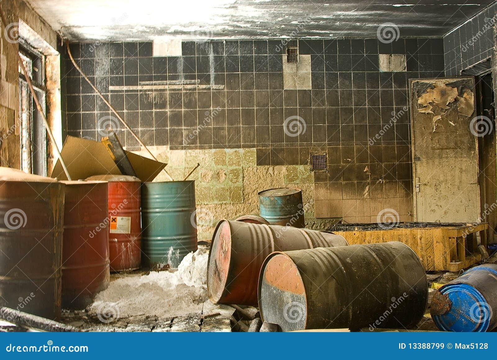 maison d labr e images libres de droits image 13388799. Black Bedroom Furniture Sets. Home Design Ideas