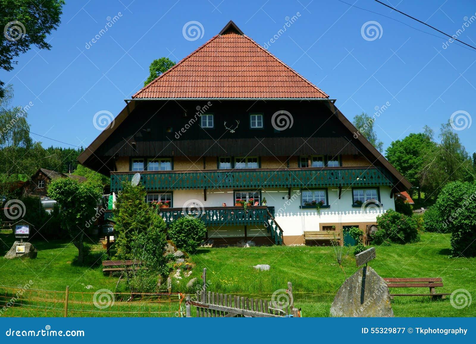 Maison de campagne une grande ferme dans la for t noire for Une maison de campagne