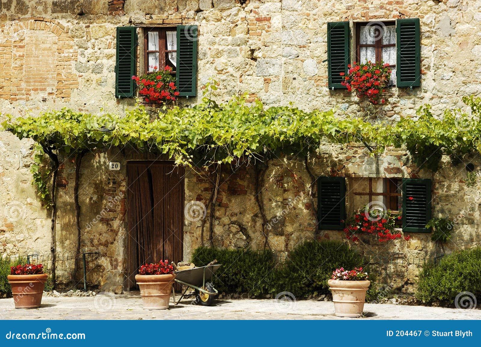 Maison de campagne photographie stock libre de droits image 204467 - Petite maison de campagne ...