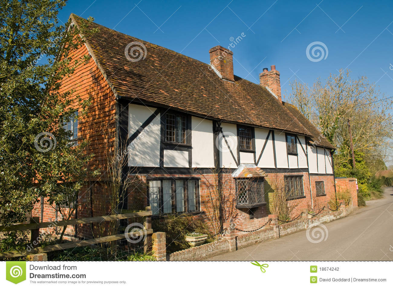 Maison de campagne anglaise photo stock image 18674242 for Cottage campagne anglaise
