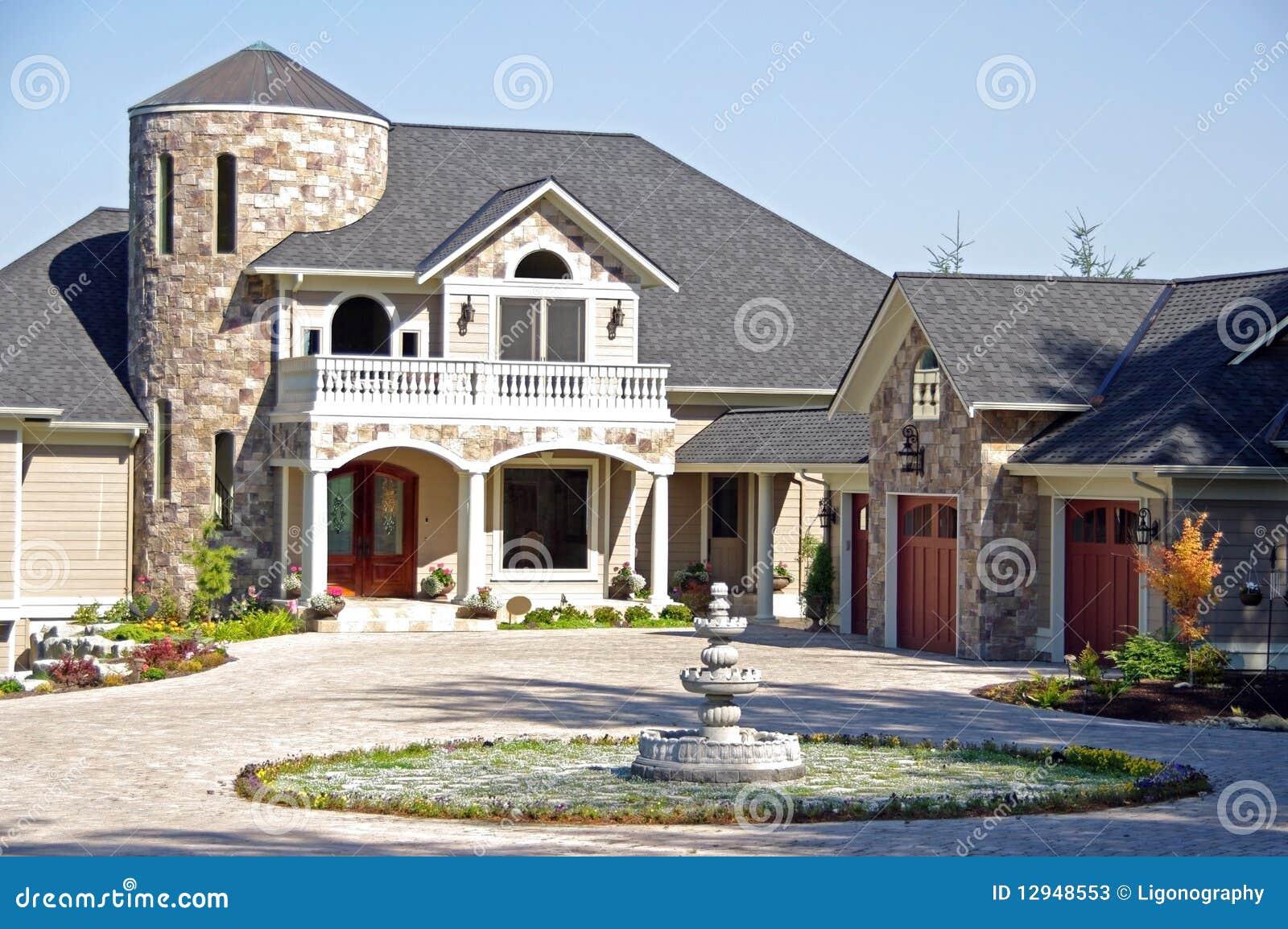 Maison de luxe classieuse photos stock image 12948553 for Maison moderne de luxe plan