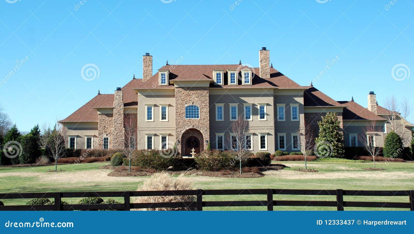 Maison de luxe en pierre expansible 31