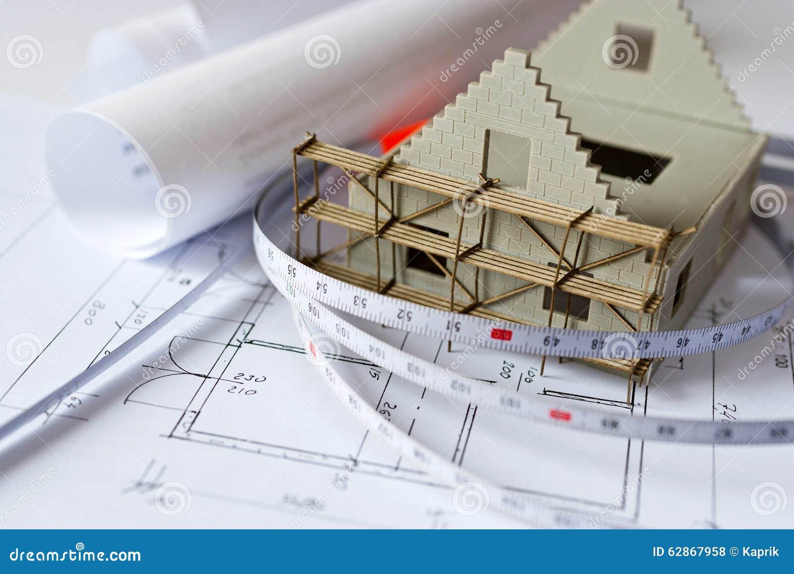 Maison De Nouveau Mod Le Sur Le Plan De Mod Le D 39 Architecture Au Bureau Photo Stock Image