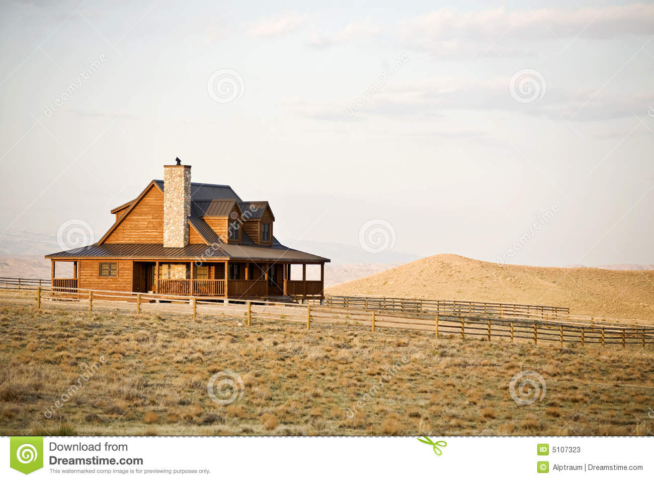 Maison de ranch dans midwest photos stock image 5107323 for Ranch occidentale