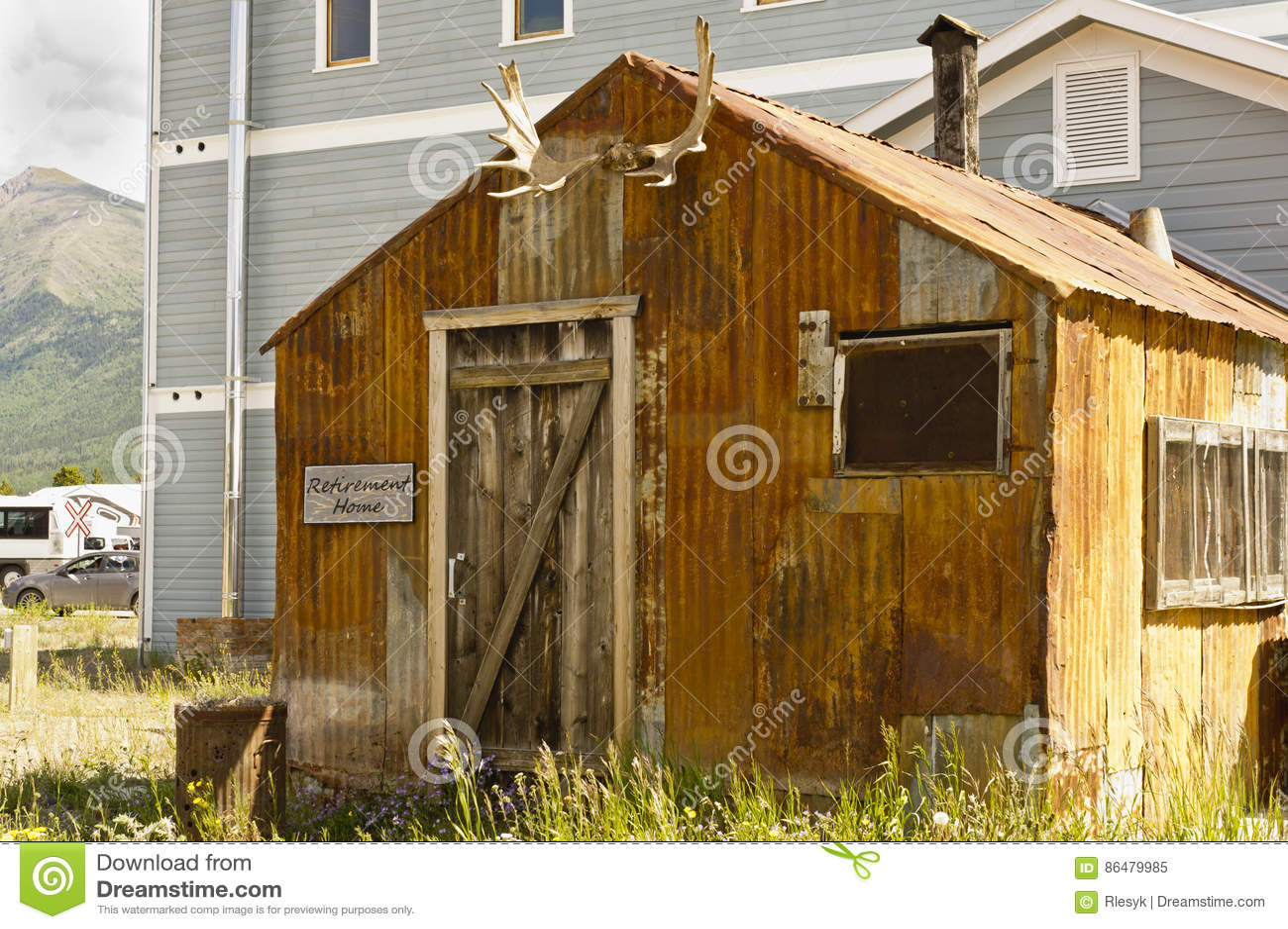Maison De Retraite Du Yukon Image éditorial - Image du trappe, home ...