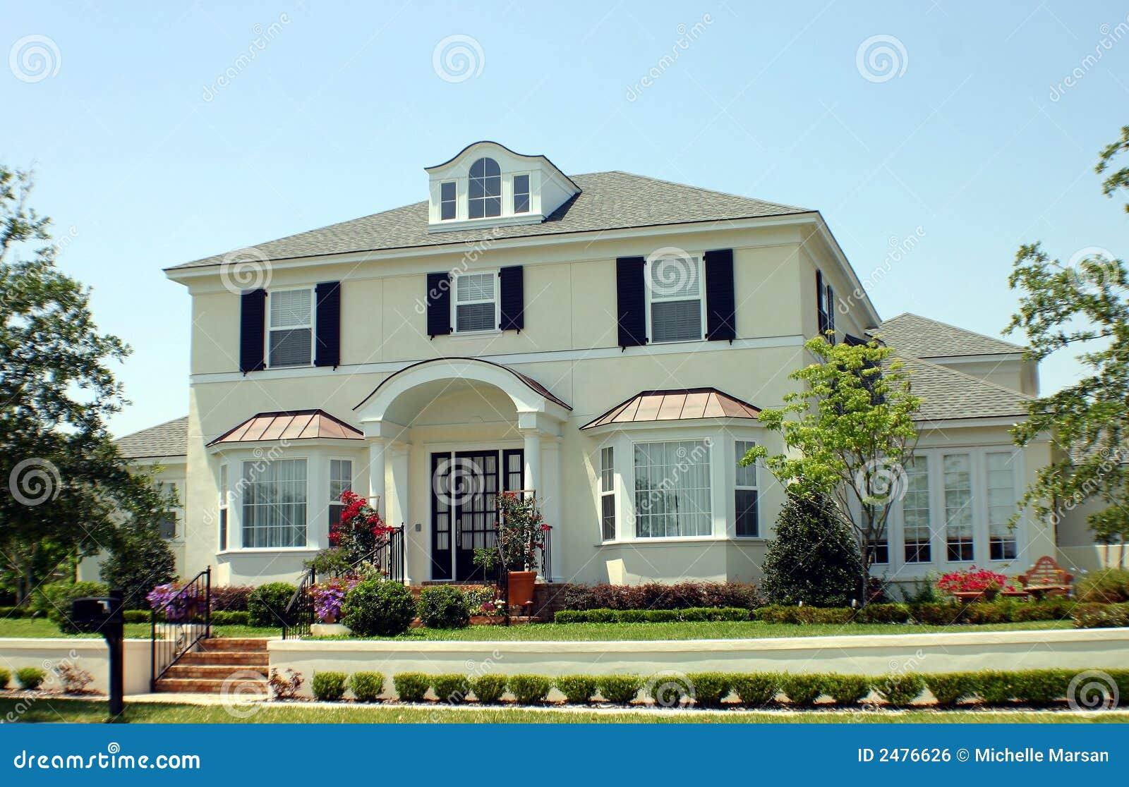 maison de r ve am ricain image libre de droits image 2476626. Black Bedroom Furniture Sets. Home Design Ideas