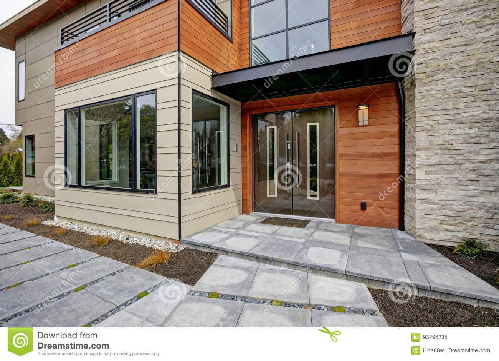 Porche D Entrée Maison Contemporaine maison de style contemporain dans bellevue image stock