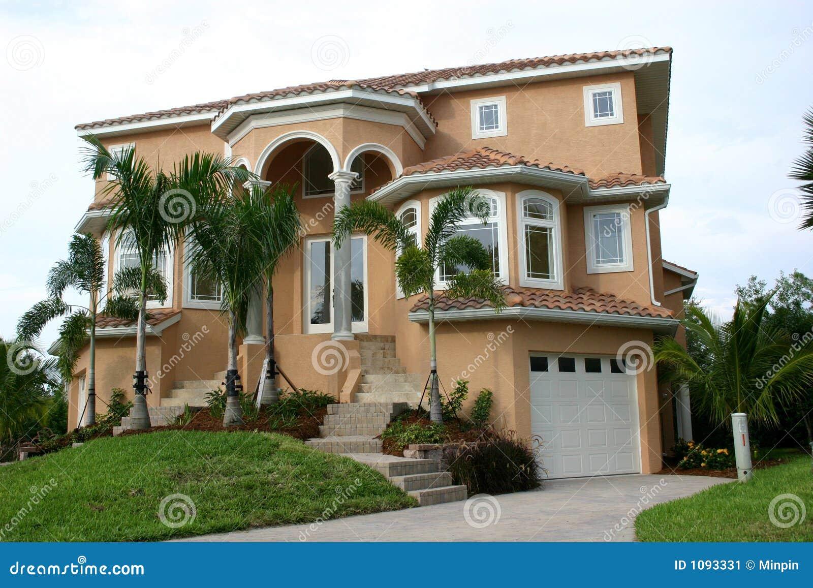 maison de terre cuite dans les tropiques image stock image 1093331. Black Bedroom Furniture Sets. Home Design Ideas