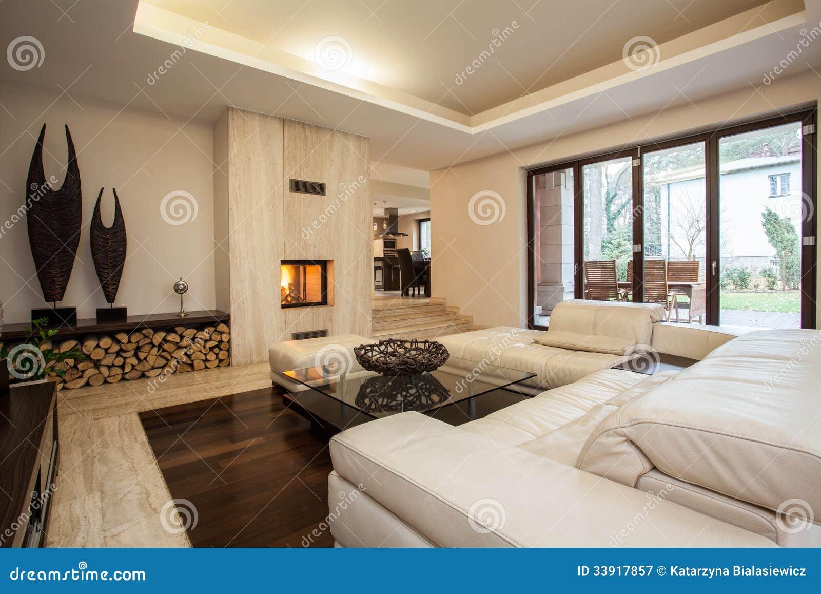 Maison de travertin salon image stock image du - Maison de l enfance salon de provence ...